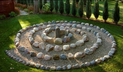 Zen Gardens: Serene Outdoor Spaces - zen garden design